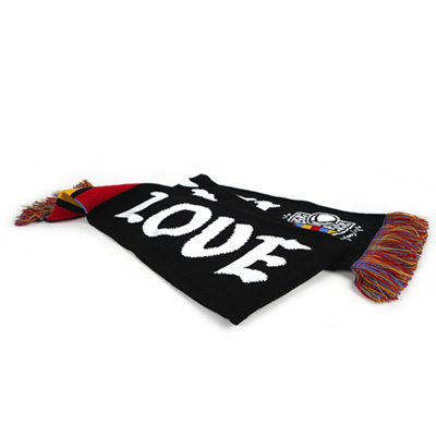 Mtn-love-graffiti-scarf-2.jpg