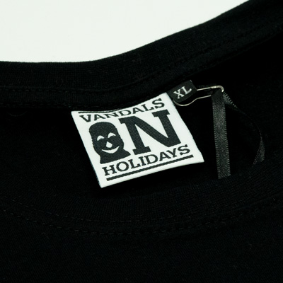 graffiti-game-tshirt-black-detail2.jpg