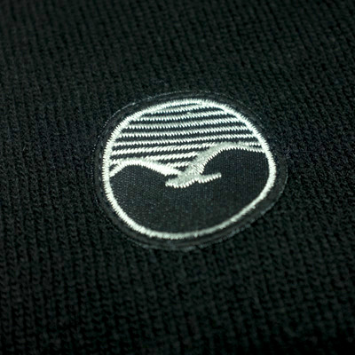 sweater-woozercrew-black-detail3.jpg