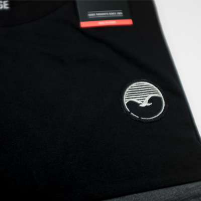 t-shirt-fifty-fifty-patch-black-detail2.jpg